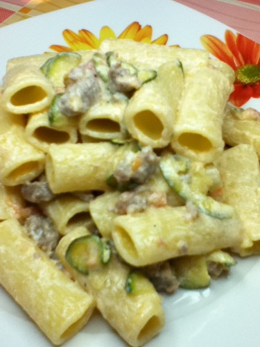 pasta,zucchine,salsiccia,zafferna,ricette primo piatto