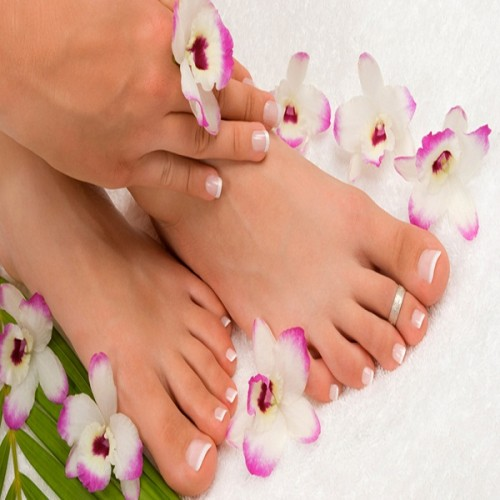 mani , piedi , pelle morbida , salute , alimenti ,avocado , miele , uova , benessere fisico